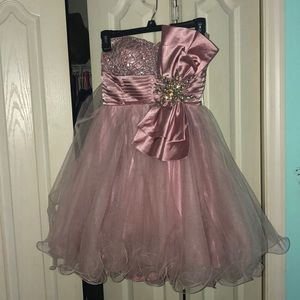Dresses & Skirts - Homecoming dress. Size 4